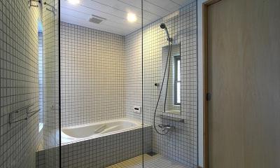 世田谷の家 (タイル張りの浴室)