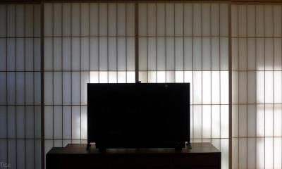 バルコニーに面した窓の障子|並木町のマンション|収納家具と障子で住戸のイメージを一新