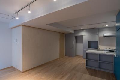 リビング (並木町のマンション|収納家具と障子で住戸のイメージを一新)