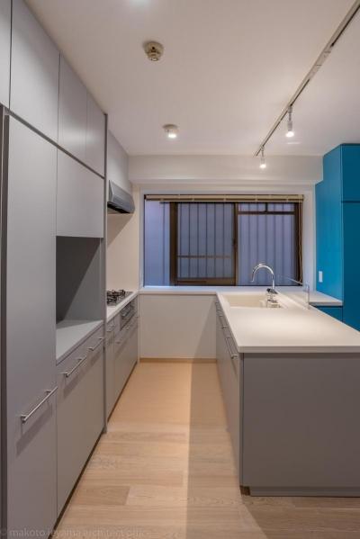 キッチン (並木町のマンション|収納家具と障子で住戸のイメージを一新)