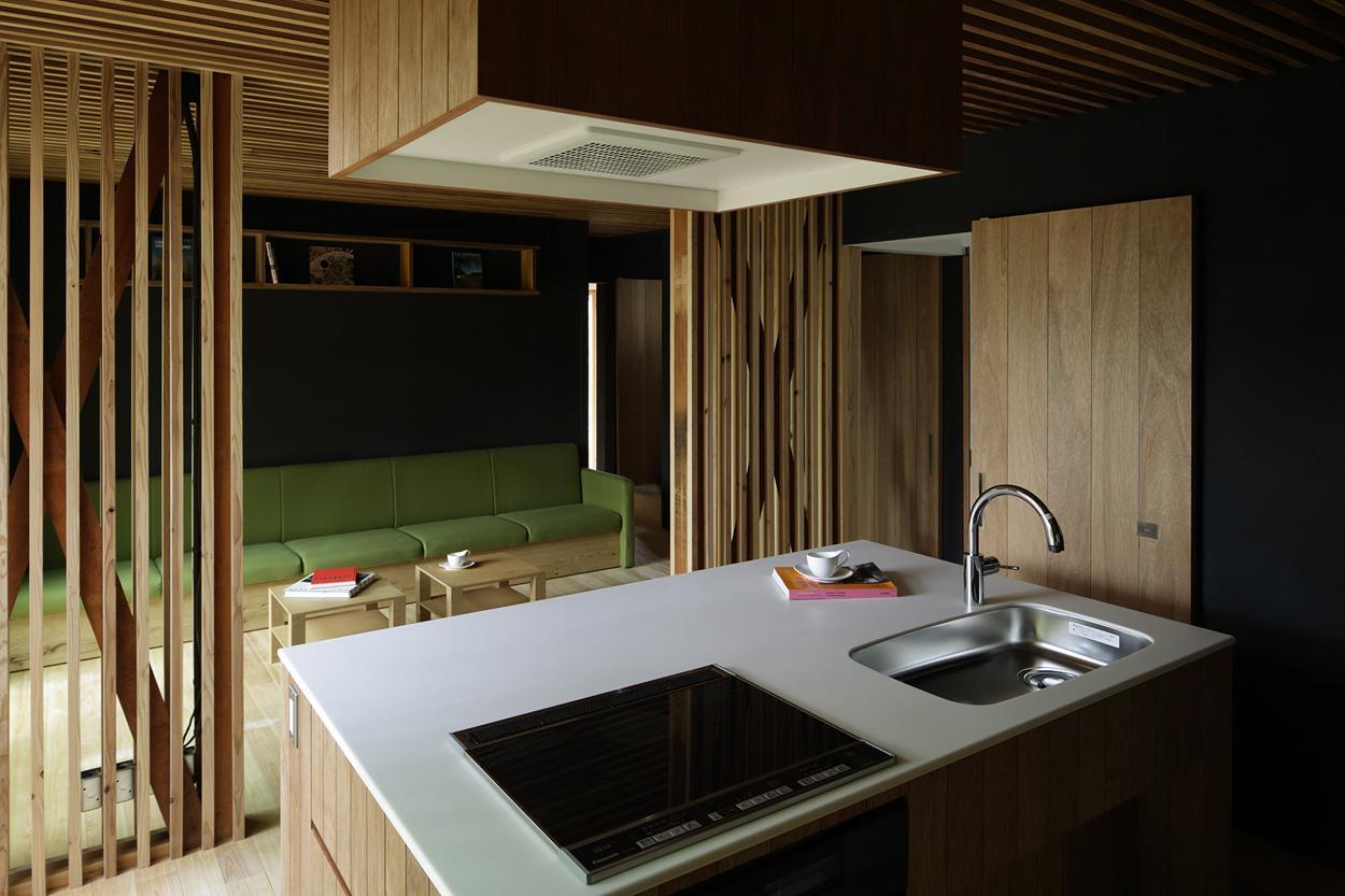 木籠の部屋 キッチンからリビングの眺め