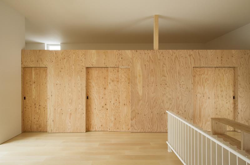 CYINの部屋 ロフト下は引き戸を閉じると個室空間に