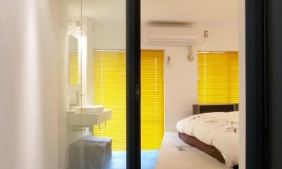 Loci—壁を取り払えず、すべてガラス張りに (ベッドルーム)