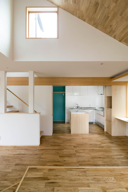 三層回遊の家 (ダイニングキッチン)