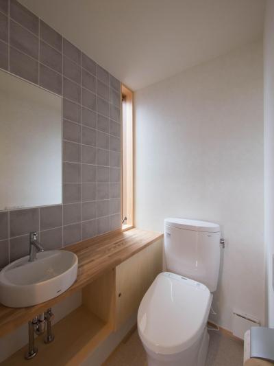 2階トイレ (三層回遊の家)