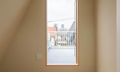 子ども室とルーフバルコニー|三層回遊の家