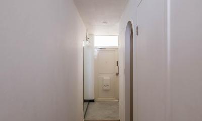 わさび(♂)オミソシル(♀)とアンティーク (1階玄関・廊下・収納スペース)