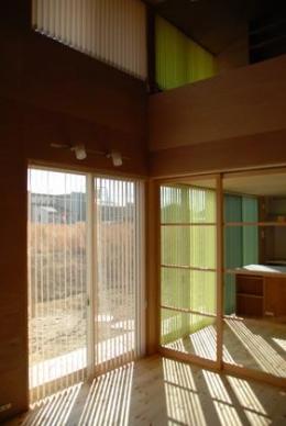 house k (吹き抜けリビング)
