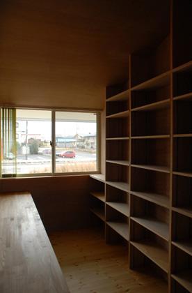 house kの部屋 2階にある本棚