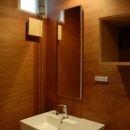 house kの写真 四角がいっぱいの洗面所
