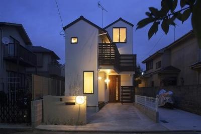 Hut room house/小屋部屋のある家 (夜景)