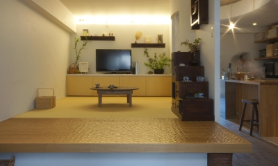 aki-廊下に「広場」、バルコニーに風呂