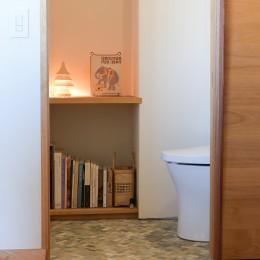 文京区Iさんの家 (土間にあるトイレ)