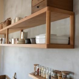 文京区Iさんの家 (キッチン壁面の飾り棚)