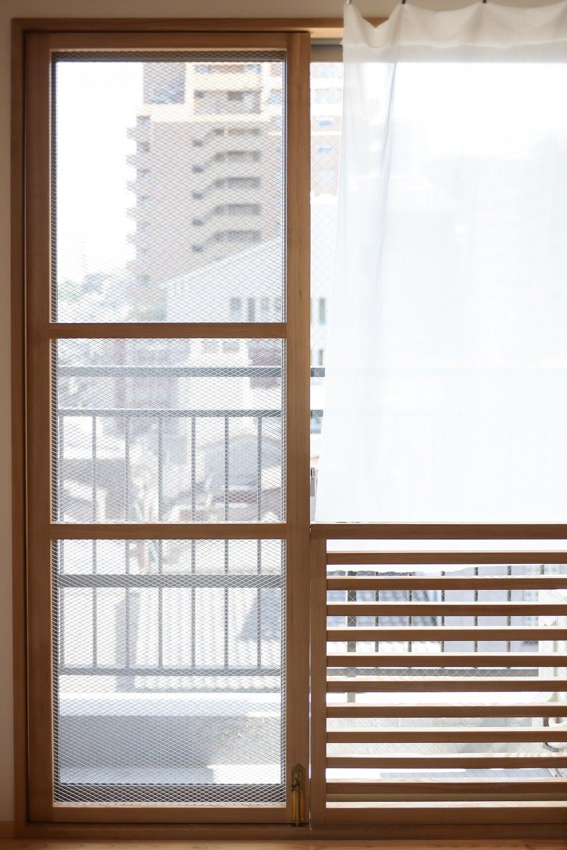 文京区Iさんの家 (猫用の木枠網戸)