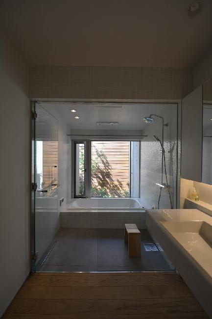 uchikoshi no ieの写真 ガラス張りのバスルーム