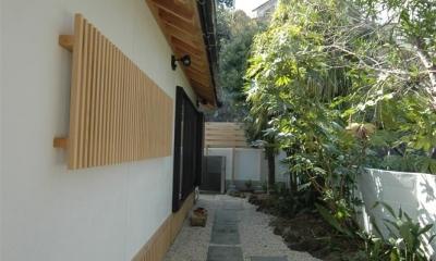 静岡県伊東市にある築100年の古民家 (石畳のアプローチ)