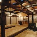 静岡県伊東市にある築100年の古民家の写真 勾配天井のリビング