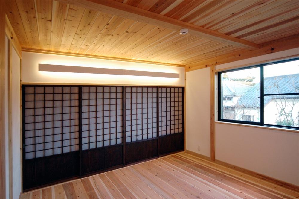 静岡県伊東市にある築100年の古民家の部屋 落ち着きのある空間