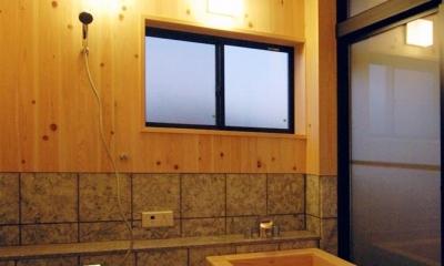 静岡県伊東市にある築100年の古民家 (リラックスが出来る木製浴槽)