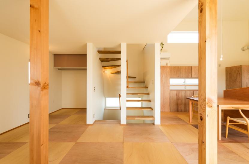 ちいさく・ひろく・ひろく   ー横井のN-Houseの部屋 折り返しのオープン型階段