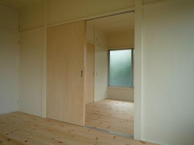 寝室 (300万円で「リノベーション」)
