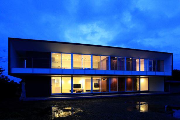 栃木県宇都宮市 House K - 太陽と風をつかまえる家 -の部屋 外観-夜景
