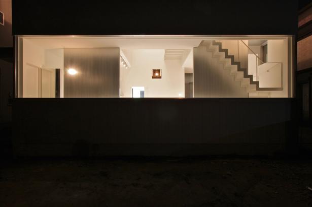 外観事例:外観-夜景(埼玉県鴻巣市 House T  - キリのキョリのイエ -)