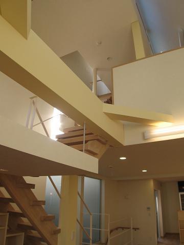 世田谷I邸-Ⅱの写真 2階・3階の空間をつなぐ縦動線