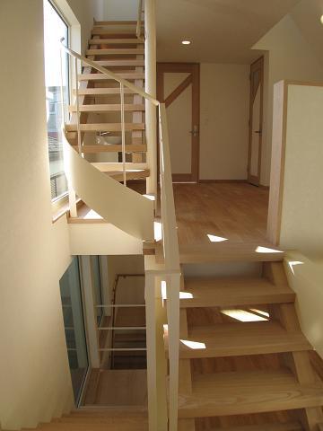 世田谷I邸-Ⅱの部屋 開放的な階段