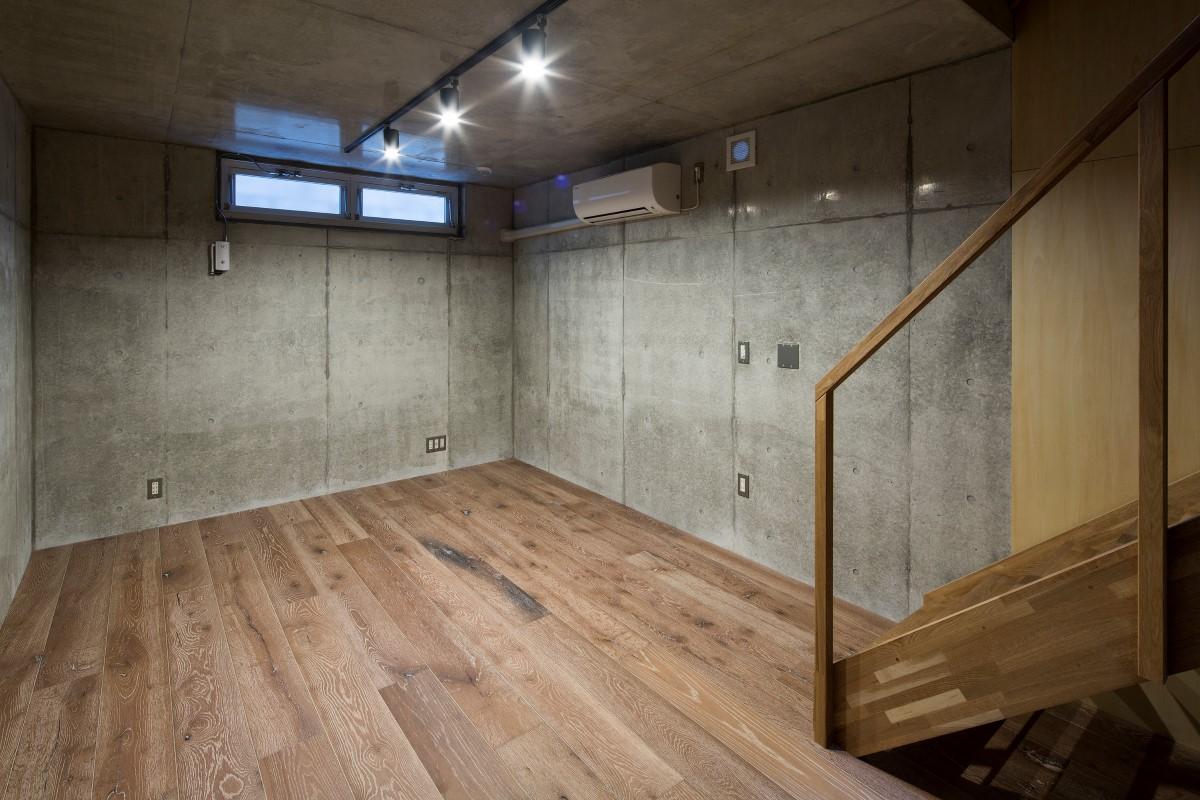 その他事例:地下にある書庫(House in Osaki)