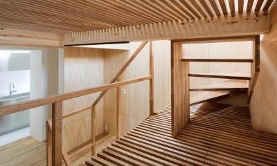 スノコのある階段|House in Osaki