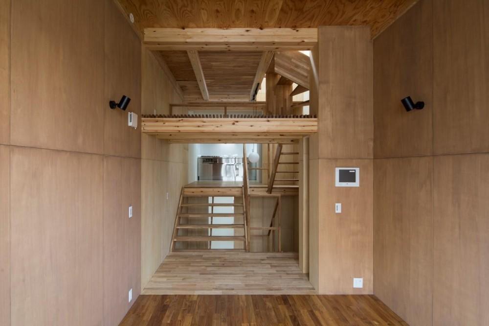 House in Osaki (リビングからダイニイグキッチンの眺め)