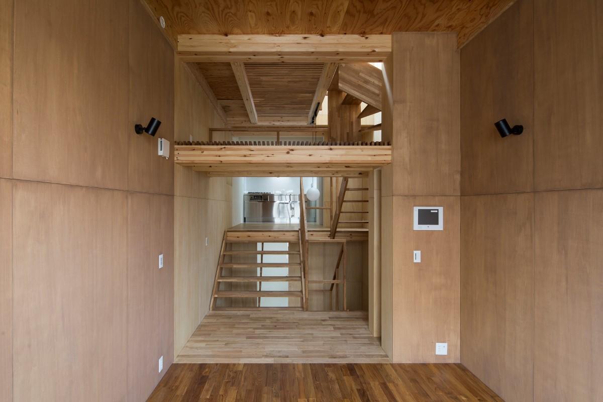 House in Osakiの部屋 リビングからダイニイグキッチンの眺め