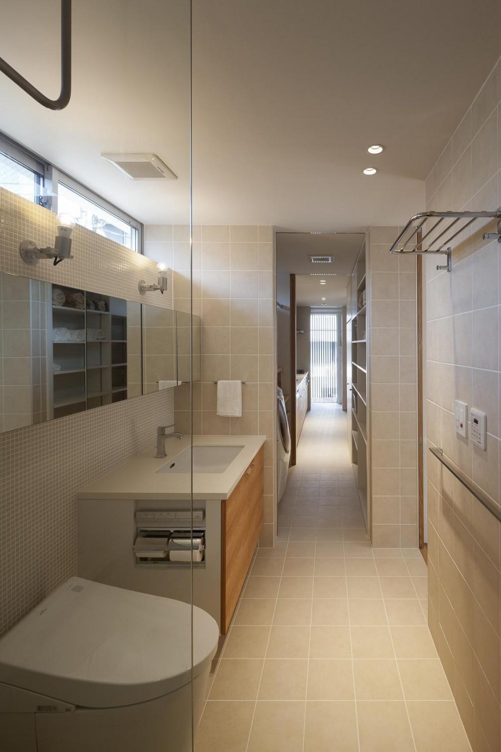 祐天寺の家 (浴室からサービスバルコニーまで)
