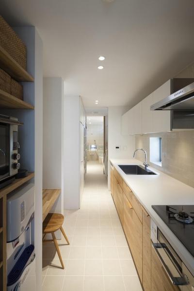 祐天寺の家 (独立型のキッチン)