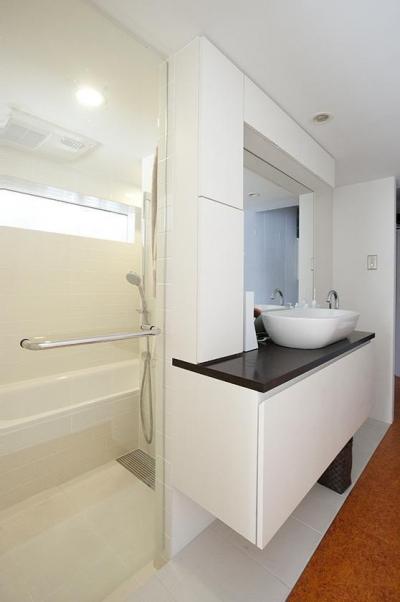 バスルーム (TZN-天板3枚重ねのオリジナルテーブルを)