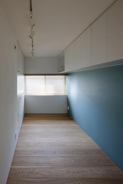収納と素材感を充実させた子供部屋 (祐天寺の家)