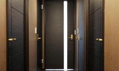 case91・無垢材フローリングと漆喰壁のエコ・リノベーション (廊下)