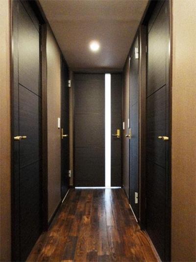 廊下 (case91・無垢材フローリングと漆喰壁のエコ・リノベーション)