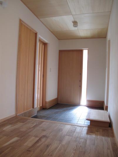 ロフトのある二世帯住宅の部屋 玄関ホール
