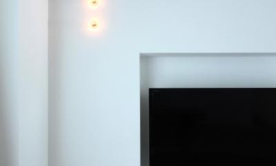 solid-シャープな「独房」にレンガのアクセント (照明)
