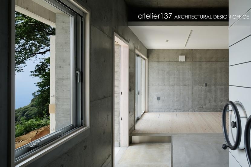 028熱海伊豆山Yさんの家の部屋 玄関+書庫