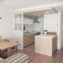 建築家とつくりあげた理想のリノベーション空間の写真 ゆったりと過ごせるダイニングキッチン