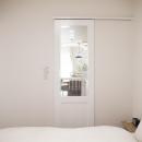 建築家とつくりあげた理想のリノベーション空間の写真 2方向から出入りできる寝室