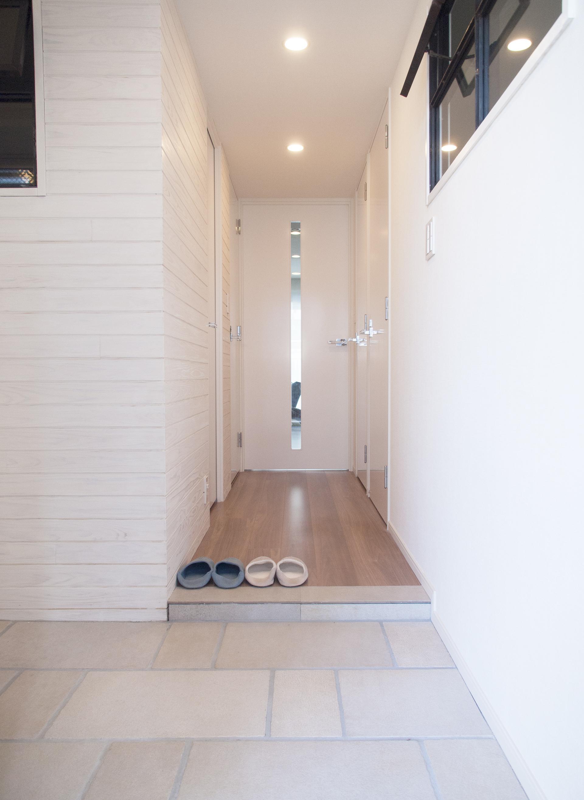 建築家とつくりあげた理想のリノベーション空間の部屋 広いタイルの土間空間