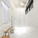 建築家とつくりあげた理想のリノベーション空間の写真 広々とした玄関土間