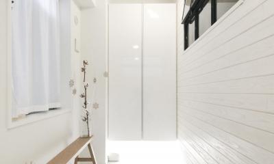 建築家とつくりあげた理想のリノベーション空間 (広々とした玄関土間)