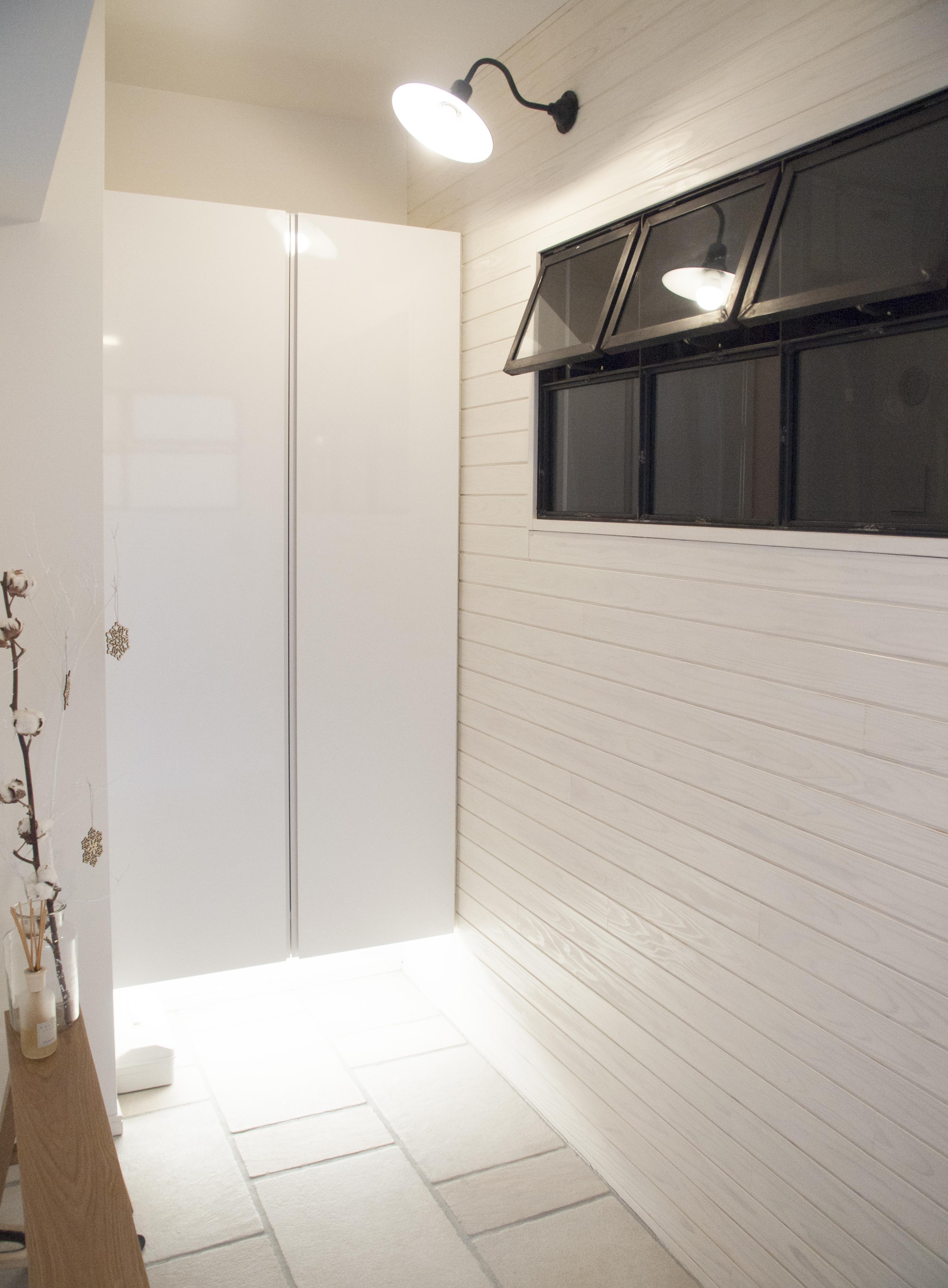 建築家とつくりあげた理想のリノベーション空間の部屋 エントランスにある室内窓