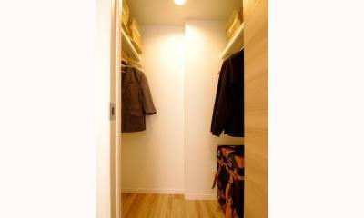 照明がアクセントの温かみのあるお家 (洋室)